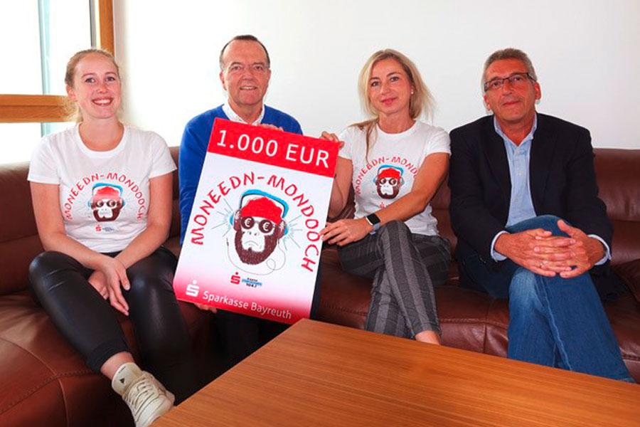 Spendenüberreichung zum Moneedn-Mondoch an den Hospizverein Bayreuth e. V.